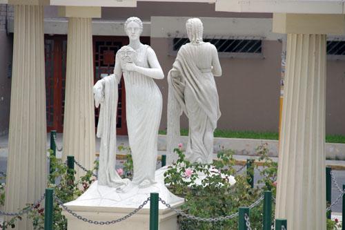 Paseo de las Musas - Melpómene, the Muse of Tragedy