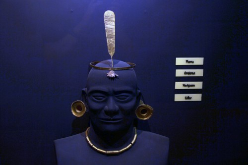 Head ornaments at the Museo Arqueológico Brüning