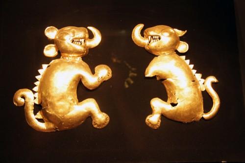 Ornaments at the Museo Arqueológico Brüning