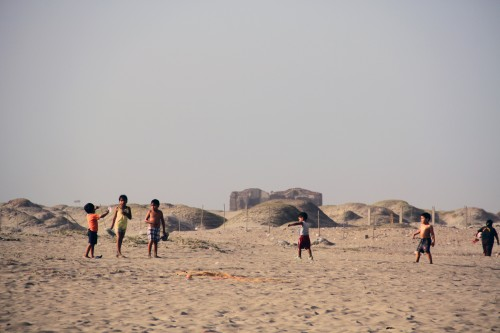 Children playing at Playa Puerta Eten